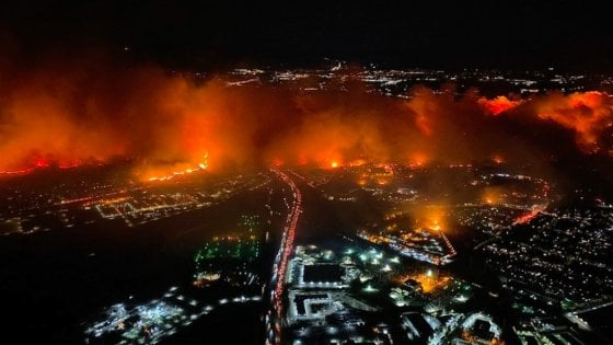 Los Angeles, continua l'emergenza incendi in California
