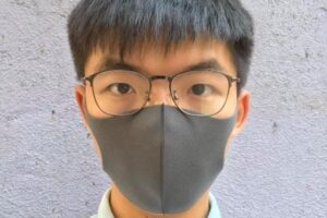 Hong Kong, l'attivista Joshua Wong bandito dalle elezioni