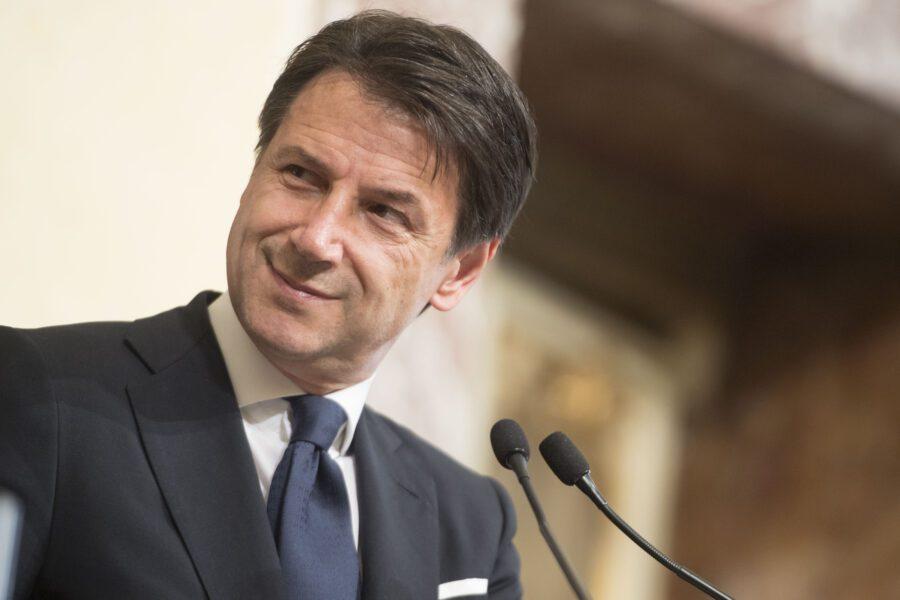 """Fusione Fca-Psa, Conte: """"Garantire produttività, occupazione e investimenti in Italia"""""""
