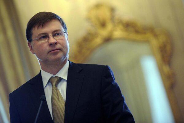 """Manovra, il vice presidente della Commissione Ue: """"Preoccupati, ma non pensiamo a una bocciatura"""""""