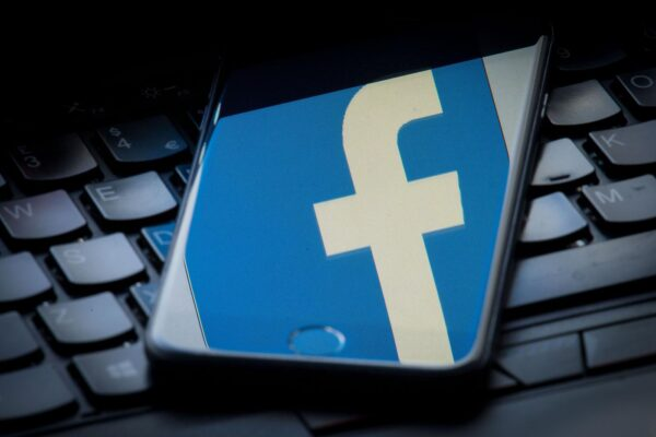 L'Antitrust apre un procedimento contro Facebook, rischia una multa da 5 milioni