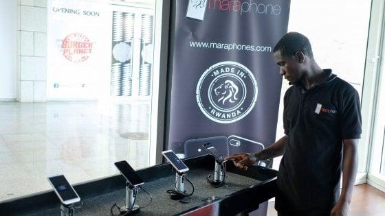 """Mara, il primo smartphone """"made in Africa"""""""