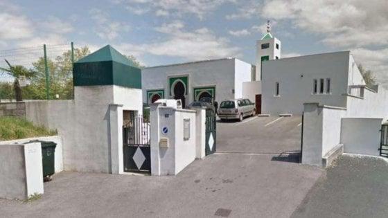 Spari contro la moschea, fermato 84enne ex candidato del Front National