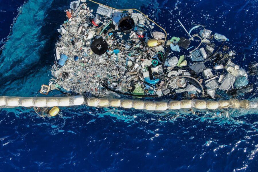 Ocean CleanUp, è partita la battaglia contro la plastica nel Pacifico