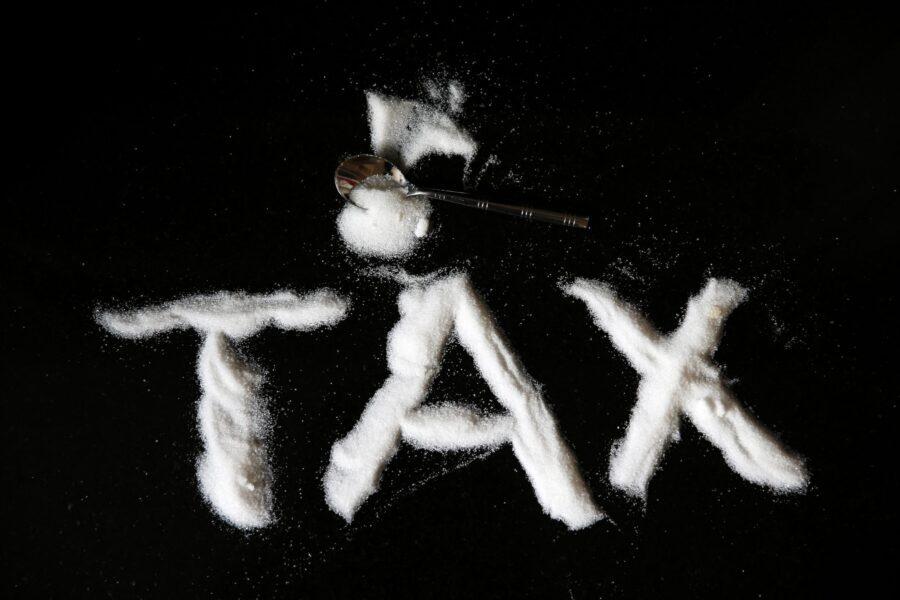 Zucchero e plastica: la flat tax alla rovescia che colpirà i più deboli
