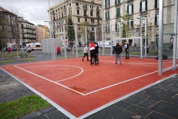 Napoli, il nuovo look di piazza Garibaldi: agorà, wifi e campetti sportivi