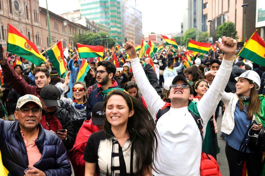 Golpe o controgolpe? La Bolivia nel caos, Morales deposto dalla polizia