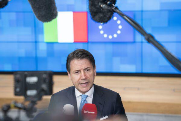 """Manovra, la commissione Ue avverte l'Italia: """"Dovete ridurre il debito"""""""