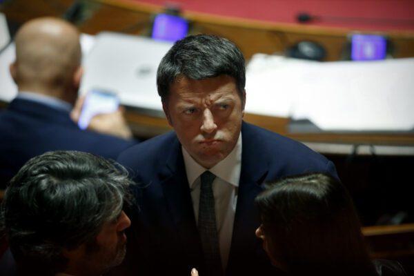 """Tutti contro Renzi: """"Come Pulcinella, spara su Governo che ha promosso"""""""