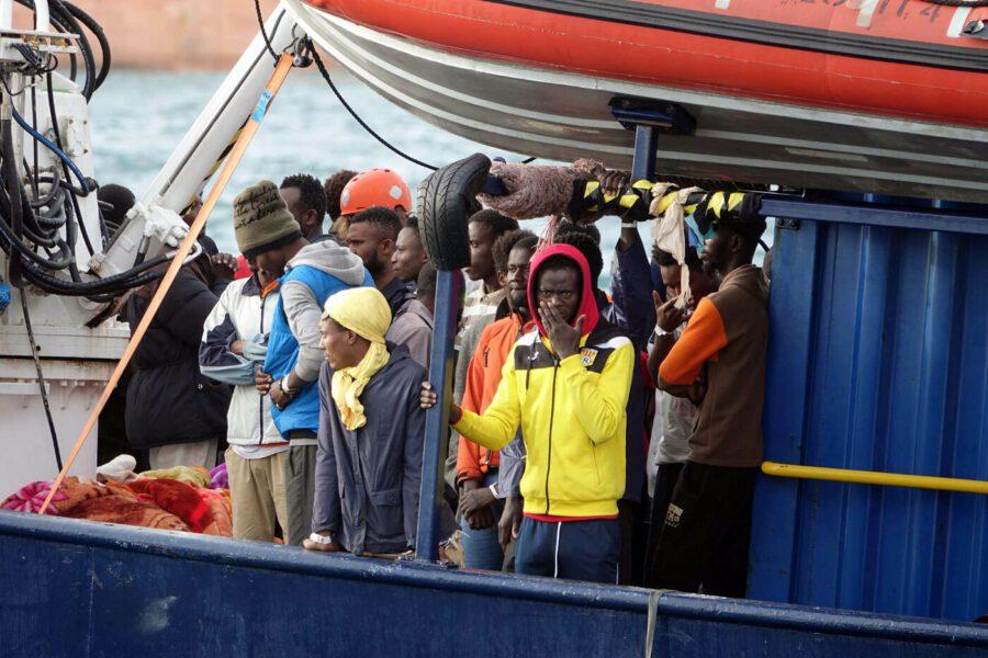 Sbarco per 239 migranti, in Italia approdano Alan Kurdi e Asso 30