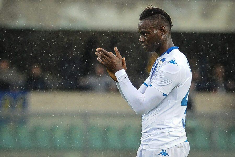 """Ululati a Balotelli, il capo ultrà del Verona: """"E' folklore, anche noi abbiamo un negro"""""""