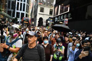 """Un paese, due sistemi"", ecco cosa ha portato alle violenze a Hong Kong"