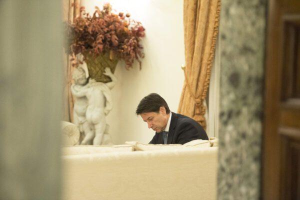 """Lettera di Conte ai ministri: """"Apriamo un Cantiere Taranto. Servono idee"""""""