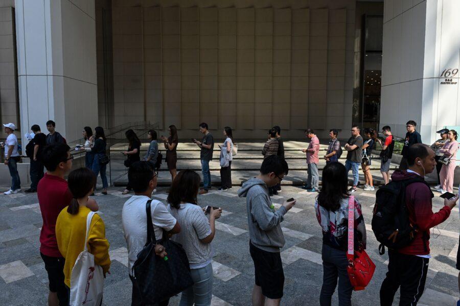 Hong Kong il voto dopo le proteste: Alle urne oltre 70%, avanti movimento democratico