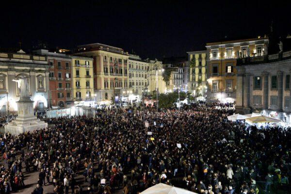 """Sardine, arriva l'appoggio di Prodi: """"Mai vista una grande manifestazione che inneggia alla civiltà dei toni"""""""