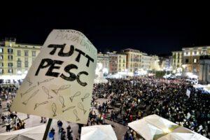 """Da Napoli a Firenze, migliaia di sardine in piazze: """"Non ci leghiamo"""""""