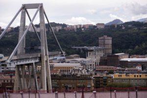 """Autostrade per l'Italia su ponte Morandi: """"Non accettiamo rischi operativi su infrastrutture"""""""
