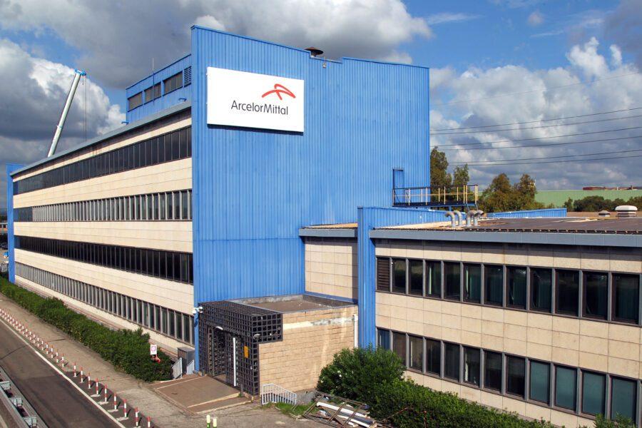 Ex Ilva, accordo tra indotto ed Arcelor Mittal sui pagamenti delle aziende