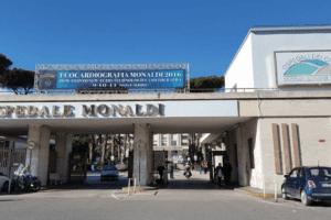 Napoli, focolaio al Monaldi: falso negativo contagia primario e personale sanitario