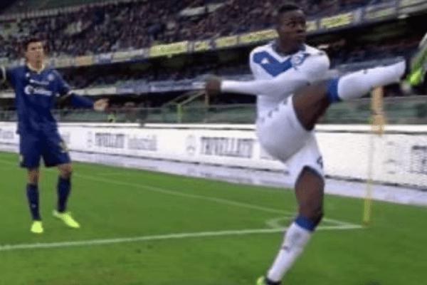 Ululati razzisti a Balotelli, sospesa la chiusura della curva del Verona
