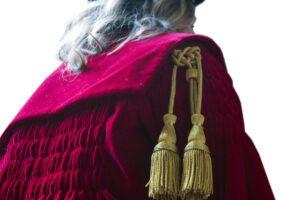 La magistratura italiana: un re nudo e malato che vuol curarsi da solo