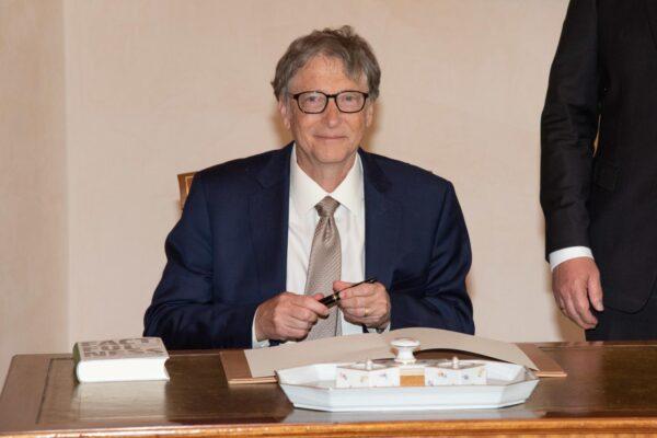 Bill Gates è l'uomo più ricco del mondo, superato il capo di Amazon Bezos