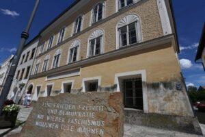 La casa natale di Hitler diventa un commissariato di polizia