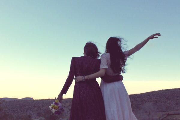 Legalizzare i matrimoni omosessuali riduce il numero dei suicidi