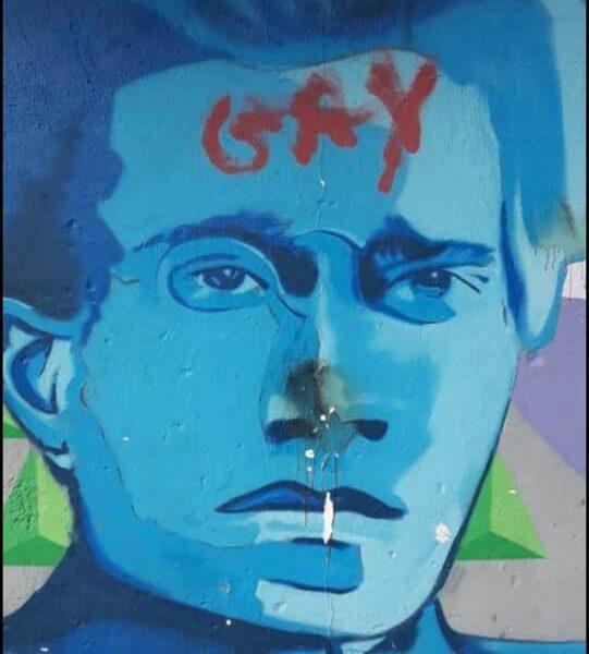 Turi, atto vandalico sul murale dedicato ad Antonio Gramsci