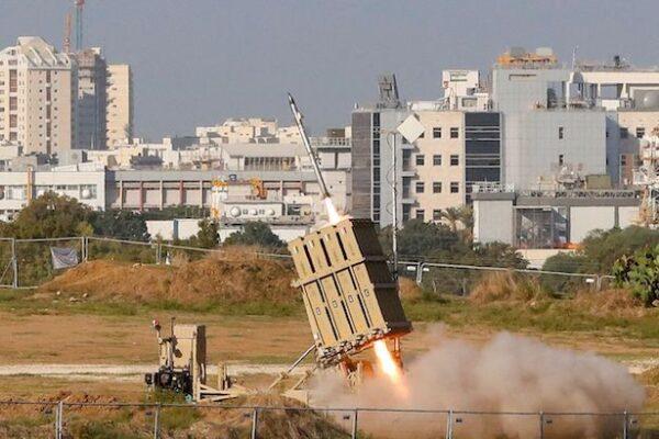 Israele continua l'attacco a Gaza, 22 morti e 70 feriti