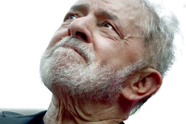 """Lula scatenato: """"Tremi la destra, sono tornato"""""""