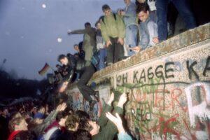 La Rivoluzione finì spalle al Muro: da lì partì la storia