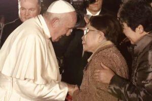 """Il Papa a Hiroshima grida """"Mai più, l'uso dell'atomica per la guerra è un crimine"""""""