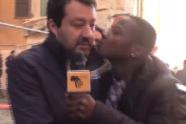 salvini bacio