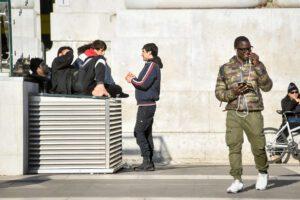 Gli stranieri ci rubano il lavoro? Una fake news