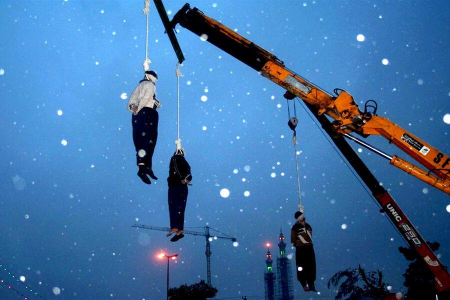 In Iran 40 anni di repressione, giustiziati anche i ragazzini