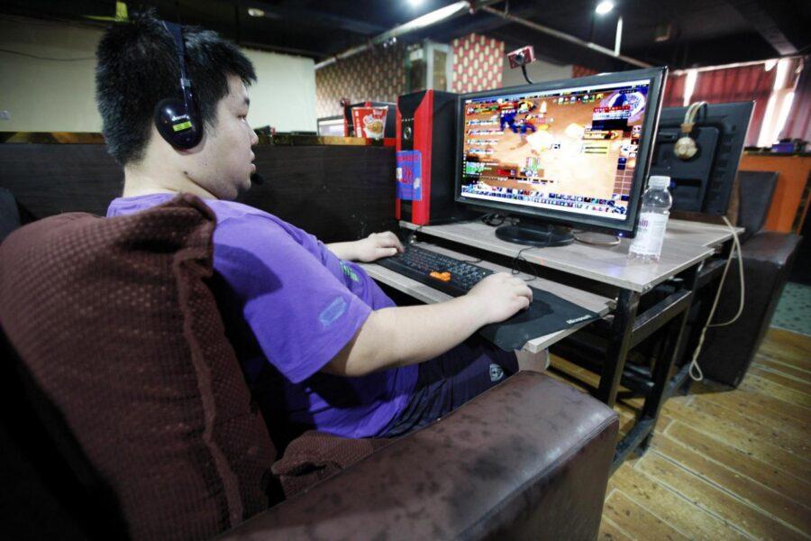 Videogames col 'coprifuoco' per i minorenni, il piano cinese contro la nuova dipendenza