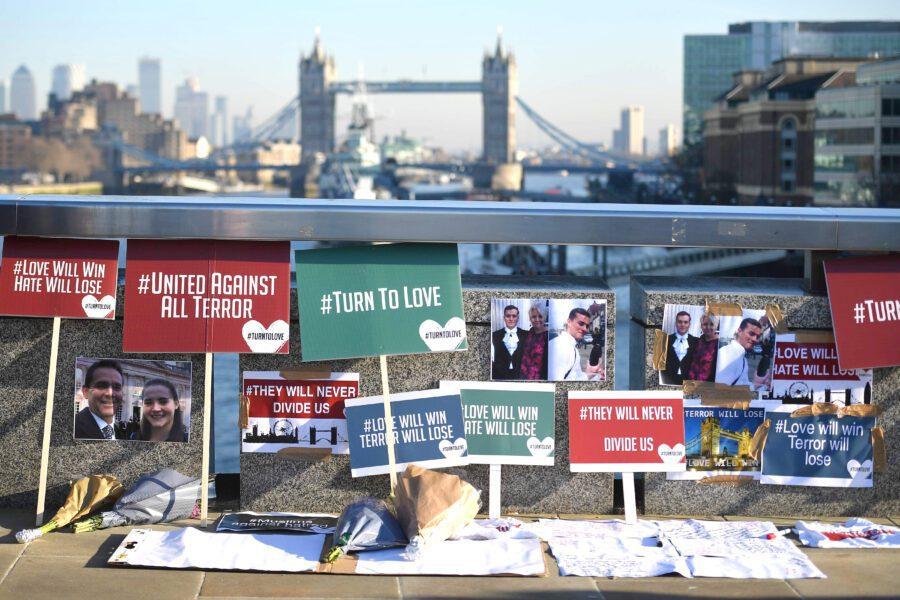Attentato London Bridge, scaricabarile sull'attentatore