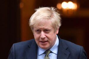 """Johnson sfida la Cina: """"Pronto a conferire cittadinanza a 2,85 milioni di abitanti di Hong Kong"""""""