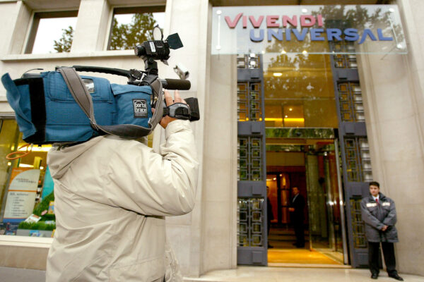 Vivendi vende ai cinesi: 10% di Universal Music Group per 3 miliardi di euro