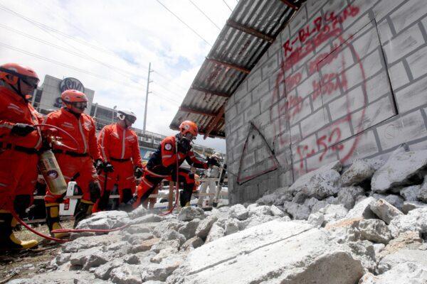 Terremoto di magnitudo 6.8 nelle Filippine, almeno 4 morti di cui un bambino