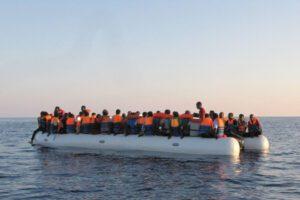Migranti, Italia denunciata a Onu per 'respingimenti privatizzati' in Libia