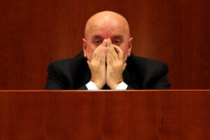 """Oliverio si ritira dalla corsa elettorale e scrive a Zingaretti: """"Faccio passo indietro"""""""