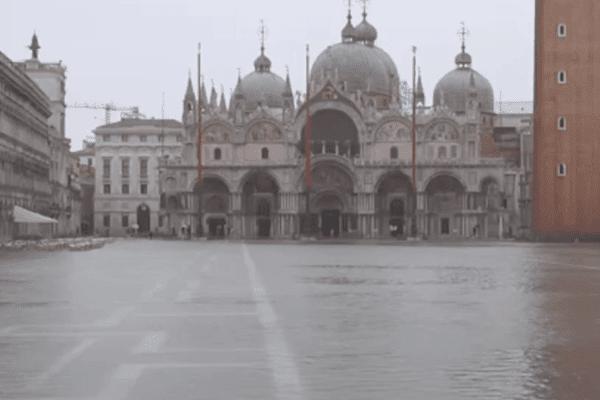 Maltempo da nord a sud: allerta in 14 regioni, acqua alta a Venezia