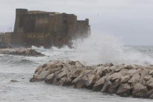 Pioggia e vento guastano il weekend: prorogata l'allerta meteo in Campania