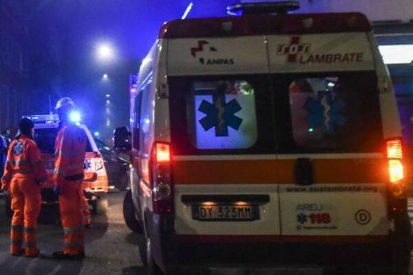 Scontro suv-camion: un morto e un ferito in autostrada. Bologna: scoppia pneumatico, uomo decapitato
