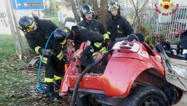 Incidente stradale a Verona, muoiono tre giovanissimi di cui due sorelle napoletane
