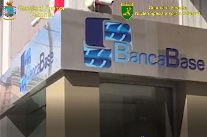 Crack Banca Base, arrestati il presidente del Cda e il direttore generale