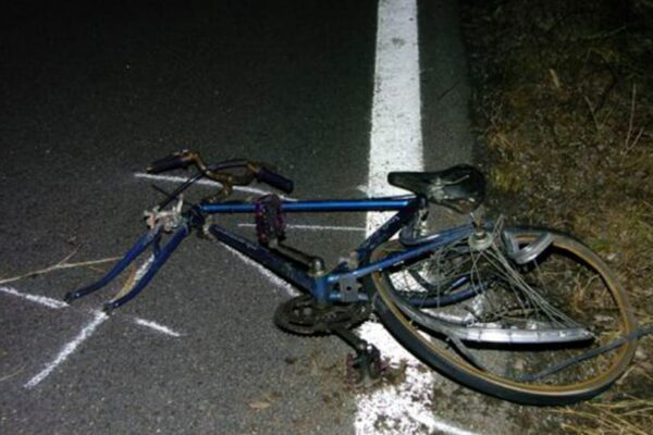 Travolge e uccide due ciclisti, arrestato automobilista positivo all'alcol test