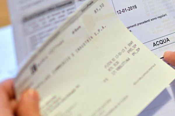 Manovra, via libera ai rimborsi per gli utenti 'vittime' di bollette pazze